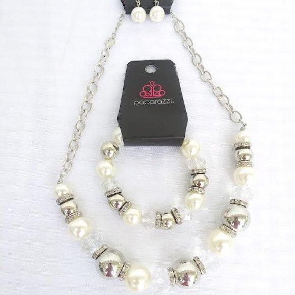 Silver/Pearl Bracelet/NecklacePaparazzi Set